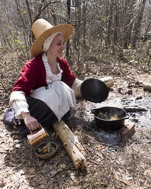 Archaeologist Nicole Isenbarger demonstrates Colonial era cooking techniques at the 2014 Kolb Public Day