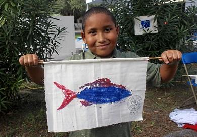 La popular actividad de arte con peces regresa a la Casa Abierta de este año. (Foto: E. Weeks/SCDNR)