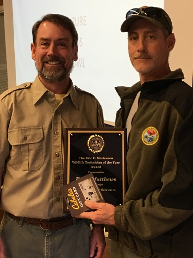 SCDNR Chief of Wildlife Billy Dukes presenting Wildlife Technician Eddie Matthews with the 2018 Technician of the Year award in Georgetown. (SCDNR photo by Sam Chappelear)
