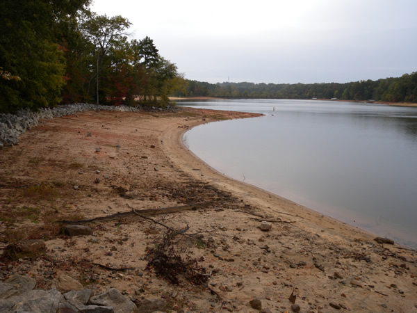 Bank pier access for Fishing lake hartwell